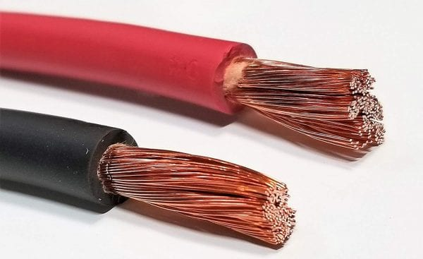 Interconnect cable for connecting battery systems